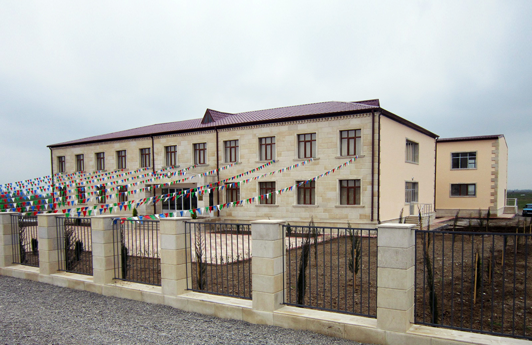 """""""Perlit"""" LLC, the contractor company, has carried out important projects in Beylagan region"""